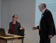 Claire Vogt (DCV) im Gespräch mit Erhard Beckers (SKM)